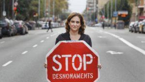 """La sfida di Ada Colau: """"Rivincere a Barcellona e cambiare l'Europa"""" [di Steven Forti e Giacomo Russo Spena]"""