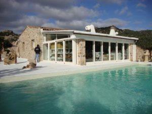 Villetta con piscina abusiva in Costa Smeralda
